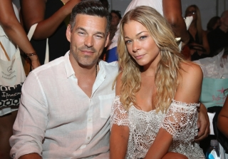 "LeAnn Rimes and Brandi Glanville on Good Terms — ""At the Moment"""