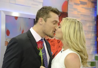 Chris Soules Cuddles Up to His \