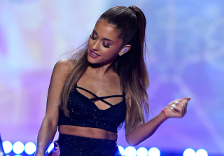 Ariana Grande Lets Down Her Ponytail, Unveils Gorgeous Natural Curls (PHOTOS)
