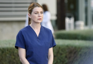 'Grey's Anatomy' Season 13: Relive That Emotional Meredith Scene (VIDEO)