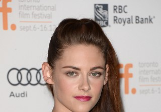 Kristen Stewart Upset Over Robert Pattinson Engagement — Report (VIDEO)
