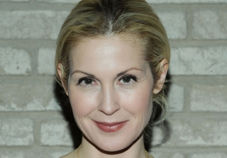Kelly Rutherford Loses Custody Battle, Can't Bring Children Back to U.S. (VIDEO)