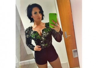 Demi Lovato Tells Off Body Shamers With Anti-Thigh Gap Photo (VIDEO)