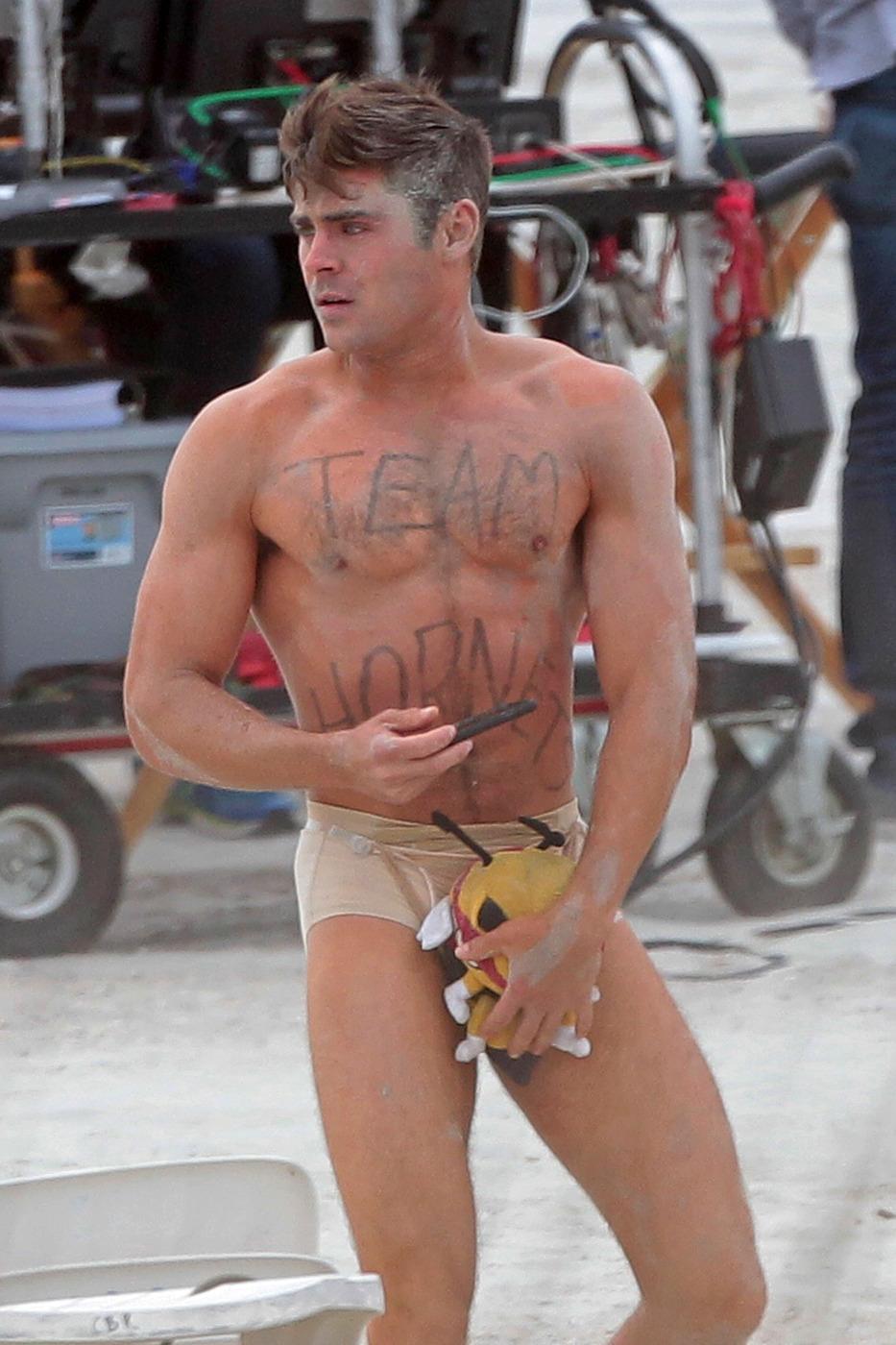 zac efron nude scene