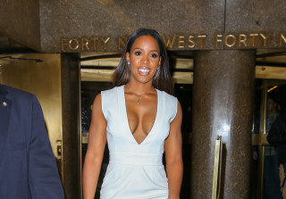 Kelly Rowland Flaunts Amazing Post Baby Bod in Hot Dress (PHOTOS)