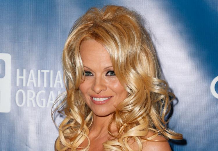 "Pamela Anderson 2nd Annual Sean Penn & Friends ""Help Haiti Home"" Presented By Giorgio Armani To Benefit J/P HRO - Arrivals"