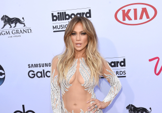 Jennifer Lopez Cuts Her Hair Short — See Her Dramatic New Look! (PHOTOS)