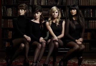 New Pretty Little Liars Season 6 Photos Raise Big Questions