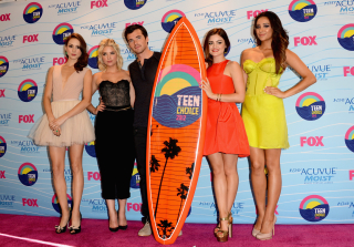 Pretty Little Liars Snags 5 Teen Choice Awards!
