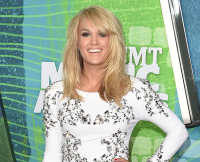 061115-cmt-music-awards-carrie-underwood1