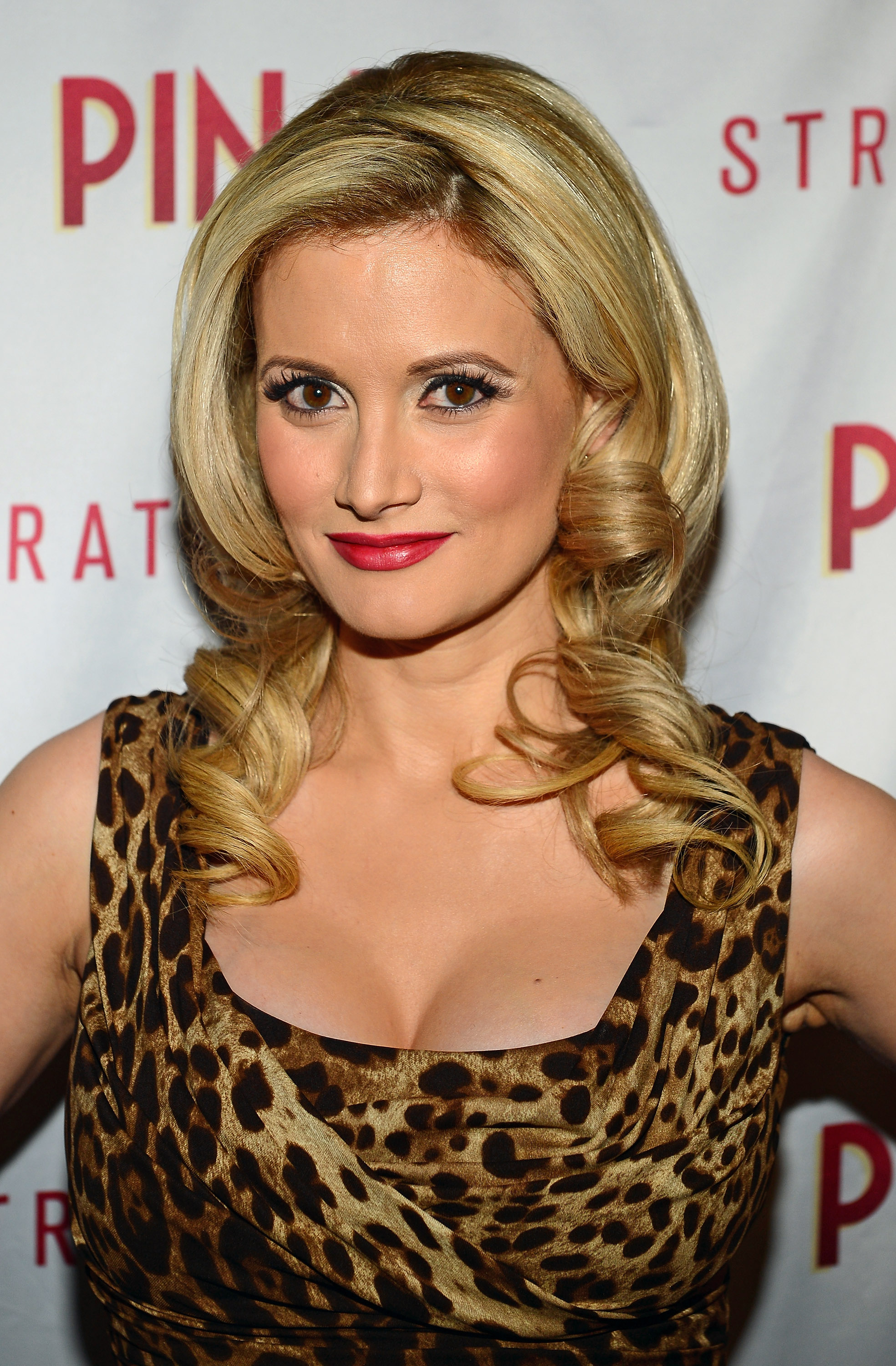 Like Holly madison as