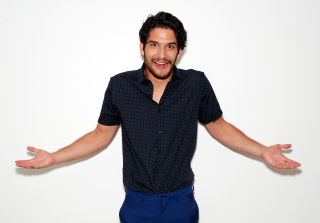 Tyler Posey Shared His First Kiss With Miley Cyrus at Age 9 (VIDEO)