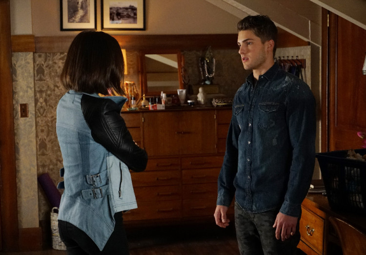 Aria and Mike on Pretty Little Liars Season 6, Episode 7
