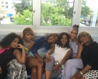 Braxton Sisters Trina, Towanda, Toni, Traci, Tamar, and Mother Evelyn