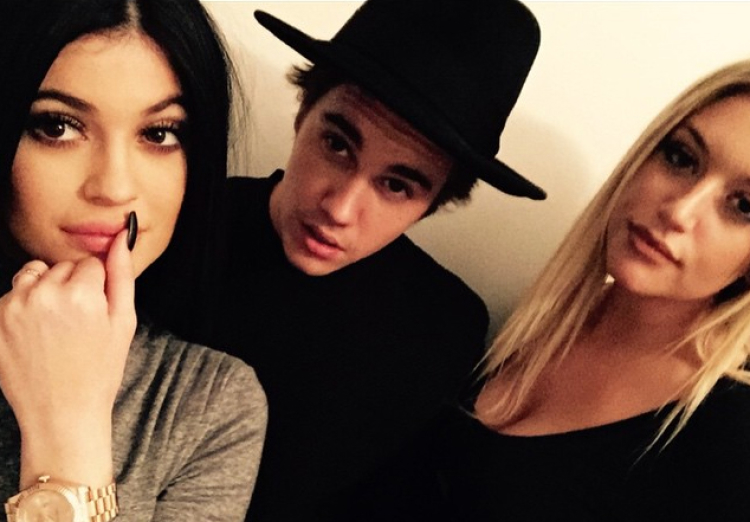 Justin Bieber Defends Kylie Jenner Amidst Cornrow Controversy - Adam Levine Hairstyle