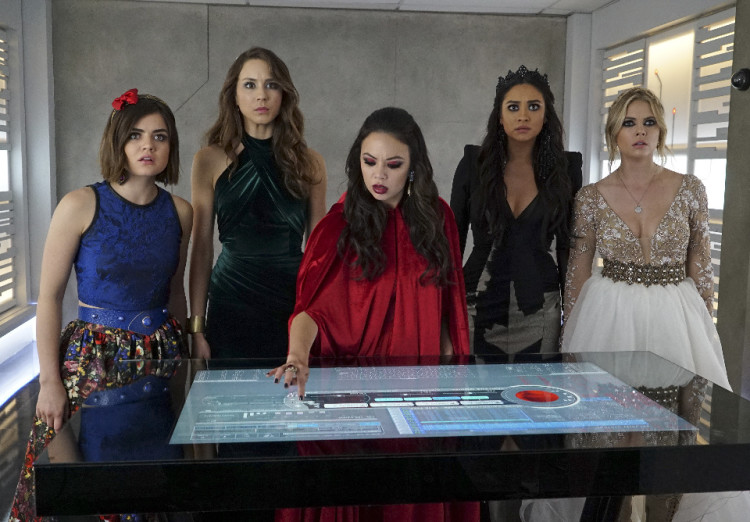 Pretty Little Liars Season 6 Finale: Bunker