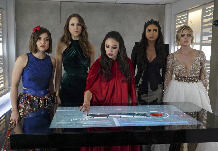 Pretty Little Liars Season 6 Finale: Bunker