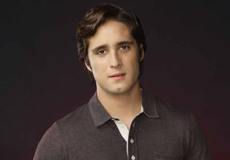 Diego Boneta as Pete in Scream Queens Season 1