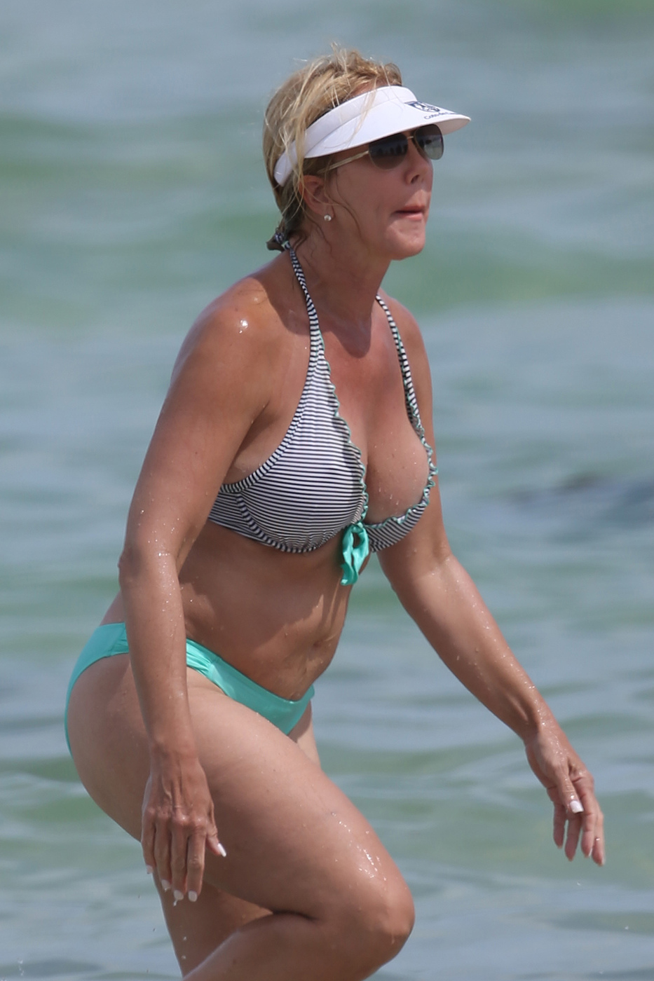 53 Year Old Vicki Gunvalson Flaunts Amazing Bikini Body