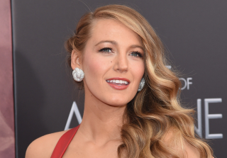 Blake Lively Debuts Dramatic New Hairstyle (PHOTOS)