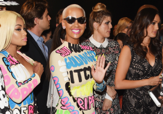 2015 MTV VMAs: Amber Rose & Her Posse Walk The Red Carpet in Matching Statement-Making Outfits