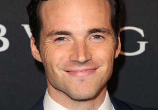 30 Pics That Prove Ian Harding Is #BoyfriendGoals (PHOTOS)
