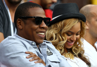 Jay Z Sent Beyonce 10K Roses Ahead of Super Bowl Halftime Performance! — Report