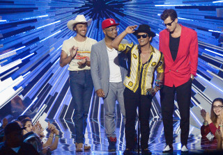 2015 MTV VMAS: Full List of Winners