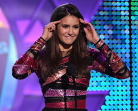 nina-dobrev-teen-choice-awards-1