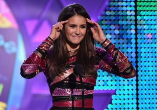 Nina Dobrev Bids 'The Vampire Diaries' Farewell at 2015 Teen Choice Awards (VIDEO)