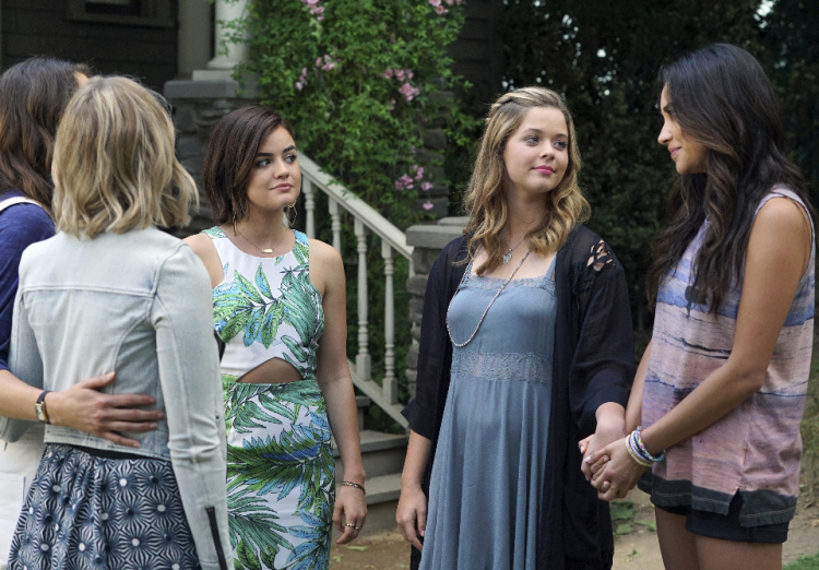 Pretty Little Liars Season 6 Finale Spoilers: Romance ...