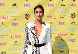 Shay Mitchell to Star in \'Mother's Day\' Alongside Jennifer Aniston, Julia Roberts, and More!