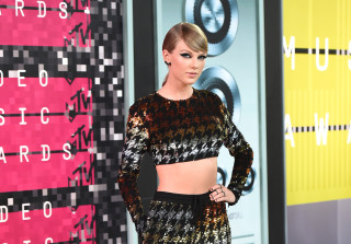 2015 MTV VMAS: Red Carpet Arrivals (PHOTOS)