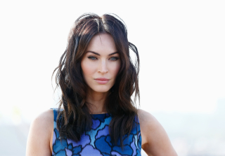 Megan Fox Caught Kissing New Guy on \'New Girl\' Set (PHOTOS)