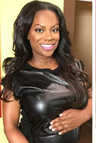 Pregnant Kandi Burruss and Her Baby Bump i