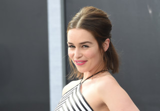 Emilia Clarke Can\'t Stand Sex Scenes, Ironically