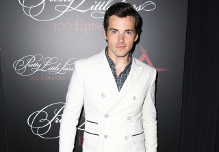 Happy Birthday, Ian Harding! 5 Reasons We\'re Glad He Was Born — In GIFs