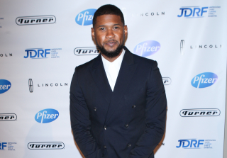 Usher Finally Shows the World He's Married and Flashes Wedding Band (PHOTO)