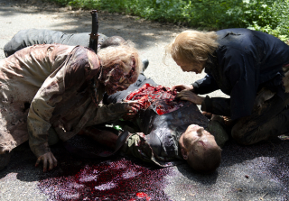 11 Worst Walker Run-Ins on 'The Walking Dead' (VIDEOS)
