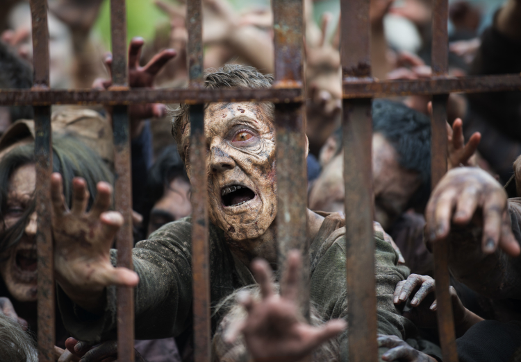 Trapped Walkers The Walking Dead Season 6