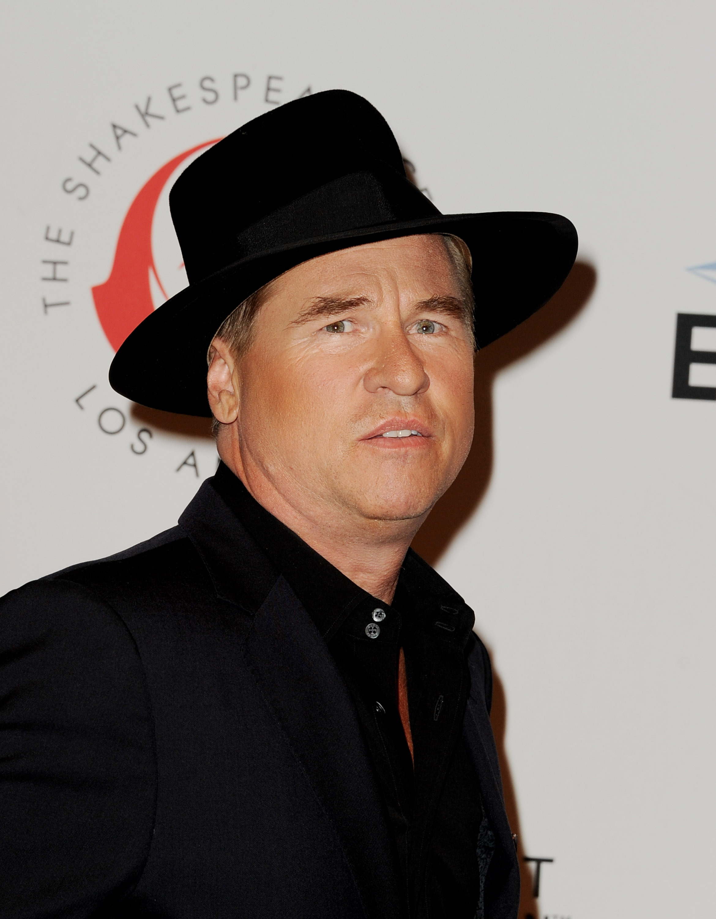 Val Kilmer Denies Reports He S In The Icu Update