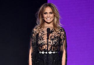AMAs 2015: All 10 Of Host Jennifer Lopez\'s Looks of the Night (PHOTOS)