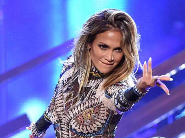 AMAs 2015, Jennifer Lopez performance