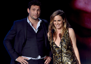 2015 AMAs Stage 'Clueless' Reunion With Alicia Silverstone & Jeremy Sisto