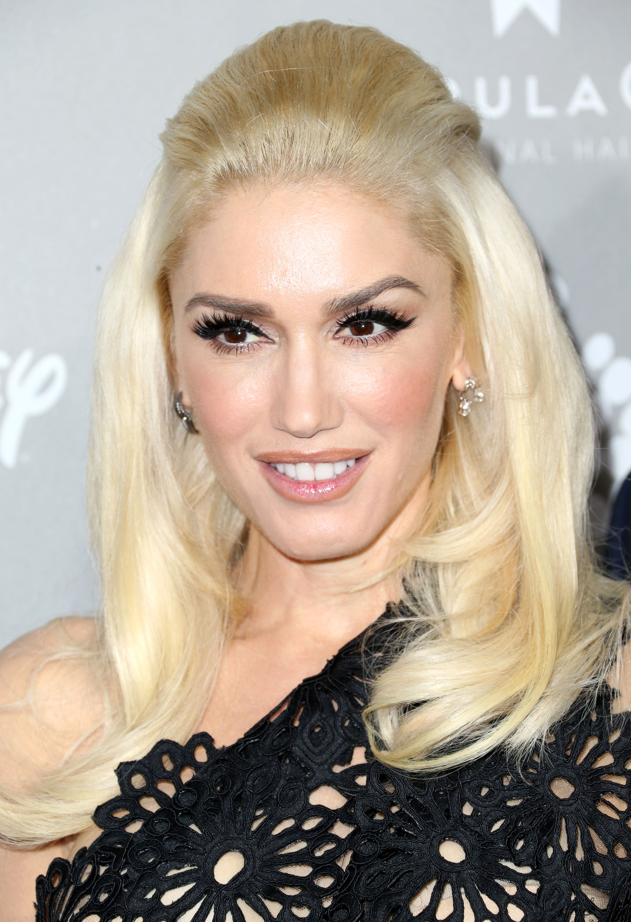 Gwen Stefani Hits the Red Carpet Amid Cheating Scandal - 11 Year Old Black Girl Hairstyles