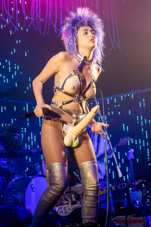 miley cyrus wears dildo fake boobs to kick off dead petz
