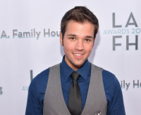 nathan-kress-married-london-elise-moore