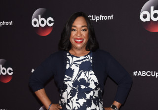 "Shonda Rhimes Provides Voice and Story of ""Miró's Chicago"" Statue"