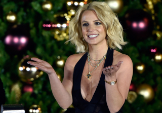 Britney Spears Gushes About Sons' Christmas Pageant (VIDEO)