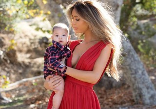 Model Mom Sarah Stage in Trouble For Controversial Baby Photo